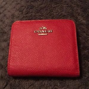 Coach. Small red wallet